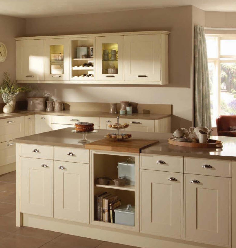 Kitchen style milford from fitted kitchens direct an for Kitchen flooring ideas uk